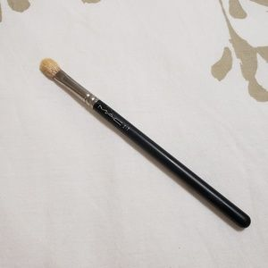 MAC 217 Blending Brush (Rare)